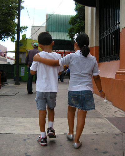 Niños caminando | Flickr - Photo Sharing!