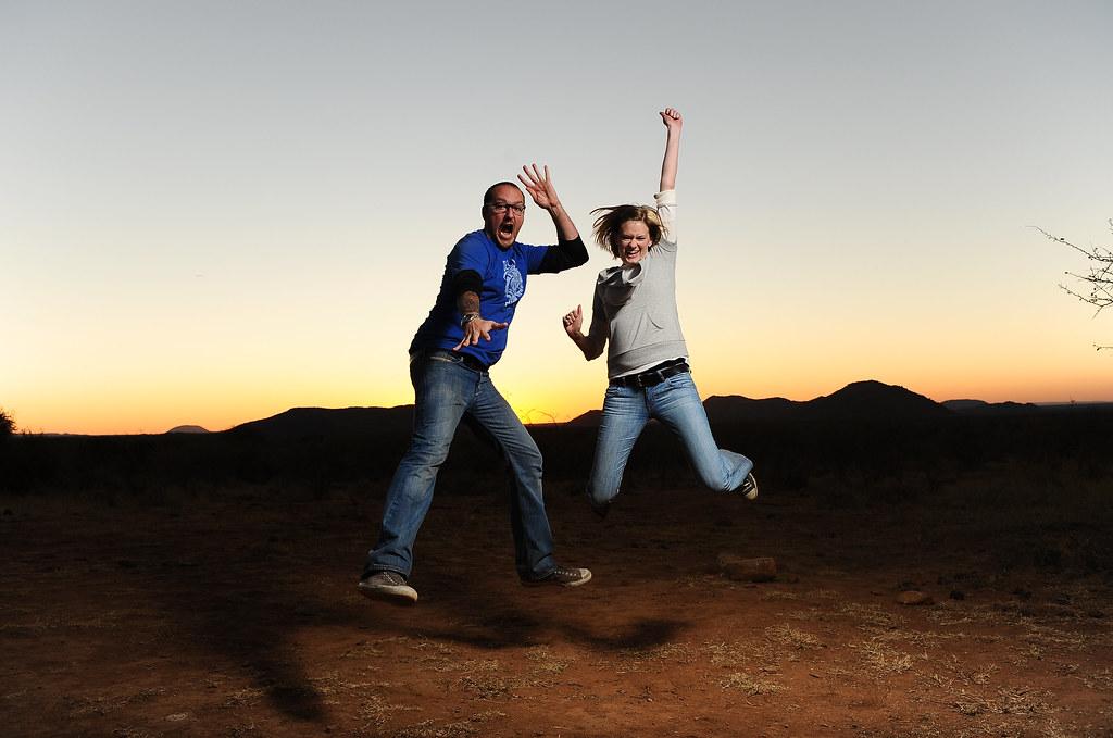 喜ぶ二人Photo:Diana and I in South Africa By:joestump