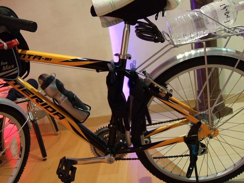 用單車晾衣服_02