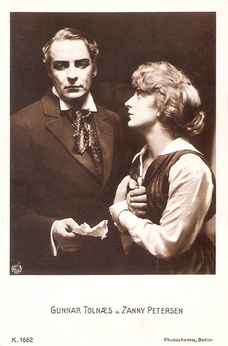 Gunnar Tolnaes and Zanny Petersen in Pjerrot (1917)