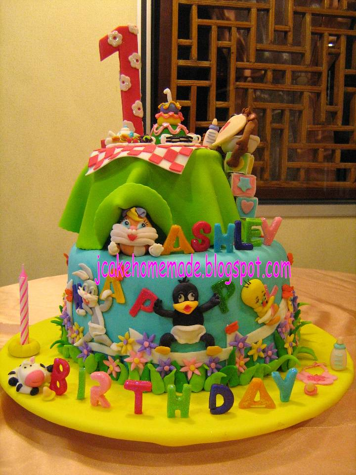 Baby Looney Tunes Theme Birthday Cake