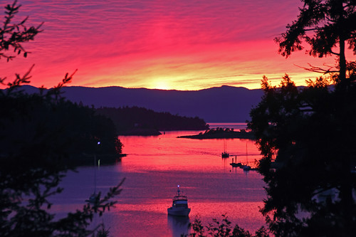 ocean pink sunset sea seascape canada color reflections landscape boats island bay interestingness scenery colorful view purple sundown harbour britishcolumbia explore pacificnorthwest vista sailboats penderharbour sunshinecoast peggycollins