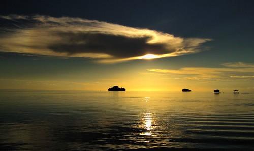 sunset beach papua breathtaking kartpostal sowek breathtakinggoldaward breathtakinghalloffame cloudsstormsunsetssunrises adamsultansah ayrphotoscontestseaandsun