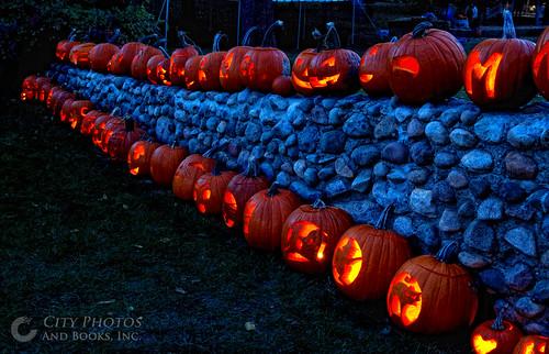 halloween stone wall pumpkin jack o jackolantern historic rochester stonewall lantern rochesterhills vanhoosenfarm cityphotosandbooksinc