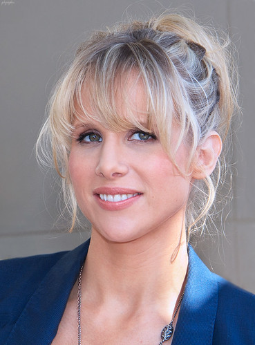 Lucy Punch by gdcgraphics