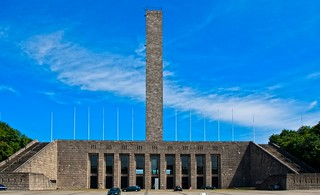 Berlin Olympiastadion - Glockenturm und Langemarckhalle