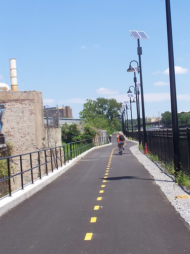 A bicyclist on the Metropolitan Branch Trail