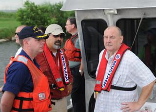 100831-G-2129M-001-Allen oversees response effort