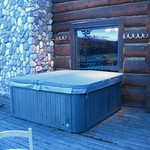 Hot tub at the lodge patio