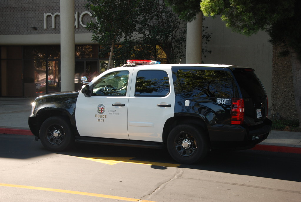 LOS ANGELES POLICE DEPARTMENT (LAPD) - CHEVY TAHOE