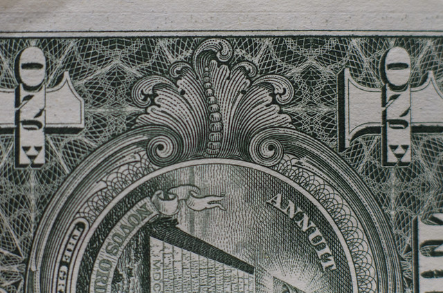 the design of a US one dollar bill (2013)