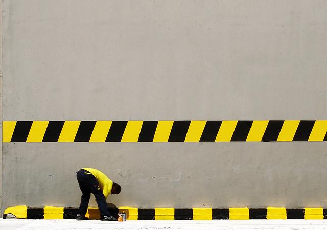 black &yellow painter