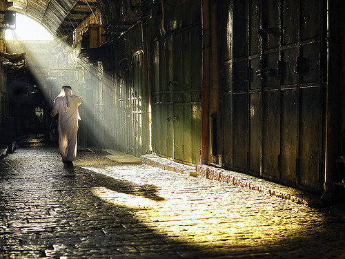 world street sunrise walking dawn costume interestingness pavement availablelight jerusalem religion explore arab custom favourite sunrays frontpage oldcity godness magicallight galabia davidstreet abaia distagont235 zf2 alwaysexc absolutegoldenmasterpiece bestcapturesaoi