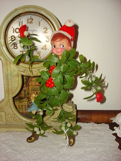 mistletoe Elf