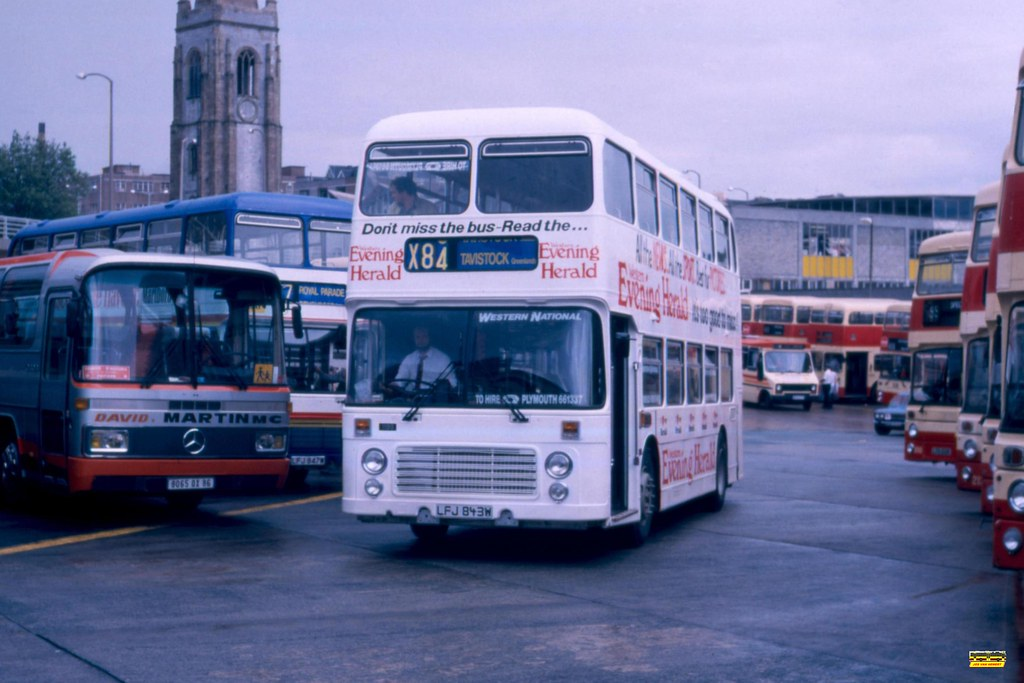 Western National Bristol VR 1199 LFJ843W - Ply., Breton Side BS - 17-07-1987.
