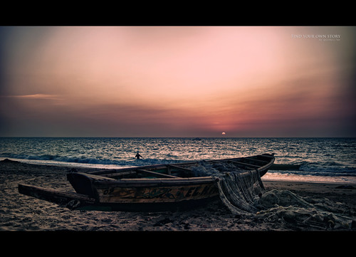 ocean africa sunset color beach clouds composition landscape boat sand focus waves bokeh perspective senegal manual goldenhour fishboat quicksil7er