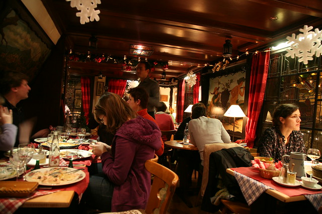 Restaurant Alsacien Place Cath Ef Bf Bddrale Strabourg