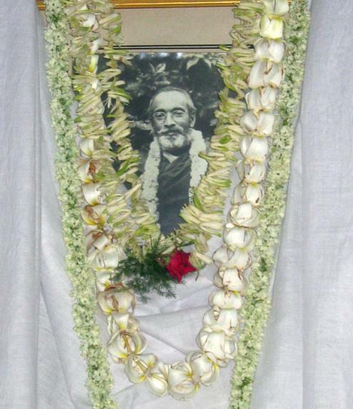 10.5 Pandit Vaisnavacharan Das Babaji Maharaj