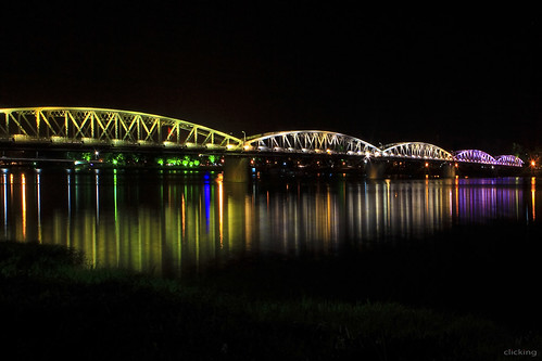 lighting bridge light reflection beautiful night landscape colorful vietnam hue trangtienbridge huế mywinners thechallengefactory cầutràngtiền