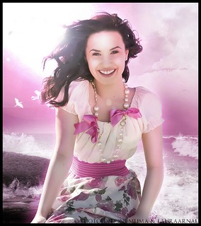 Demi Lovato - your smile across the ocean Feat Lauraarnal <3
