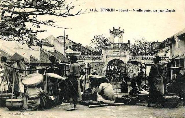 Hanoi - Vieille porte, rue Jean-Dupuis