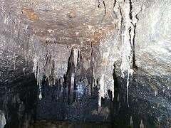 pit cave(0.0), ice cave(0.0), ice(0.0), stalactite(1.0), icicle(1.0), cave(1.0), stalagmite(1.0), freezing(1.0),