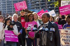Reverend Jeanette Wilson Operation PUSH Protesting Trumpcare Chicago 5-11-17 6235