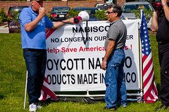 BCTGM Workers Protest Job Outsourcing at Nabisco Shareholders Meeting 5-17-17 7368