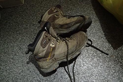 登山靴ボロボロ
