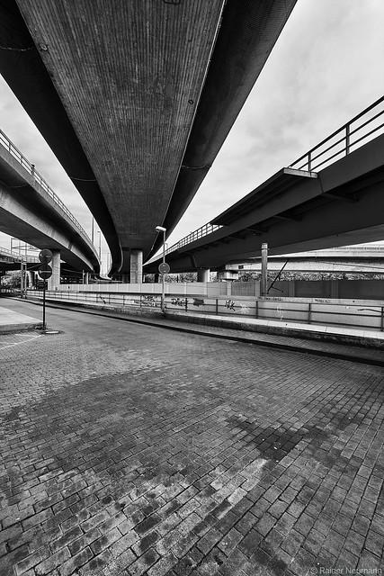 Ludwigshafen Hochbrücke 1 b&w