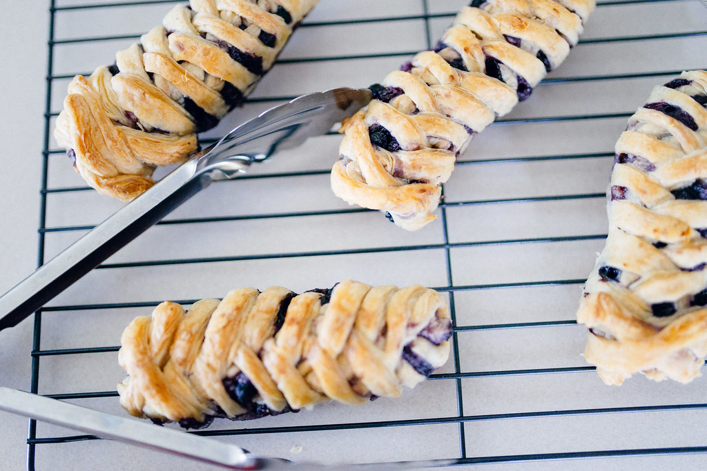 Homemade eggless blueberry crossovers using puff pastry
