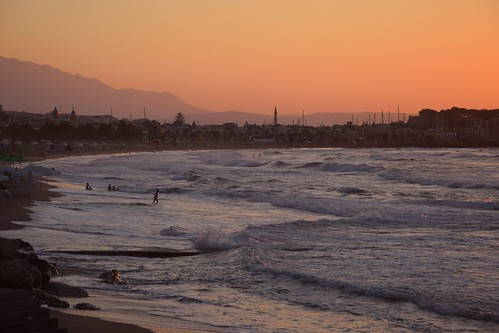 rethymno rethymnon beach water sand waves sea mediterranean sunset hills mountains silhouettes fortezza city landscape view marina harbour colours crete kriti kreta greece greek weather nature