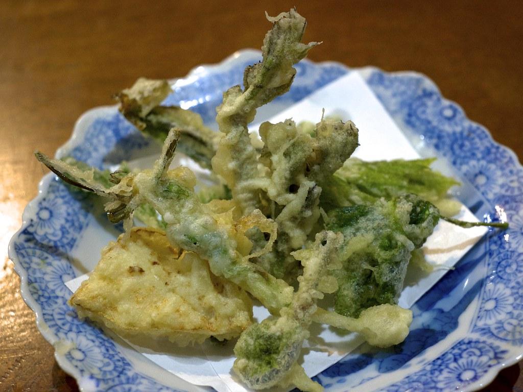 Wild plant tempura / 山菜の天ぷら / のんび荘 (長野県飯田市)