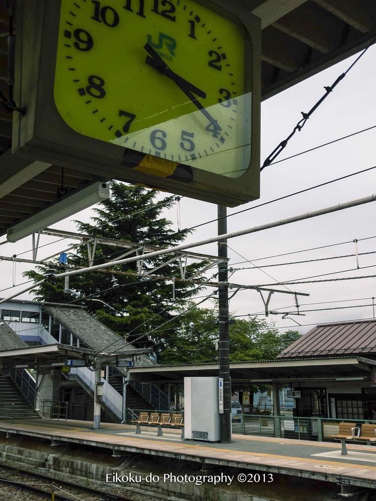 日野春駅・あずさ30号
