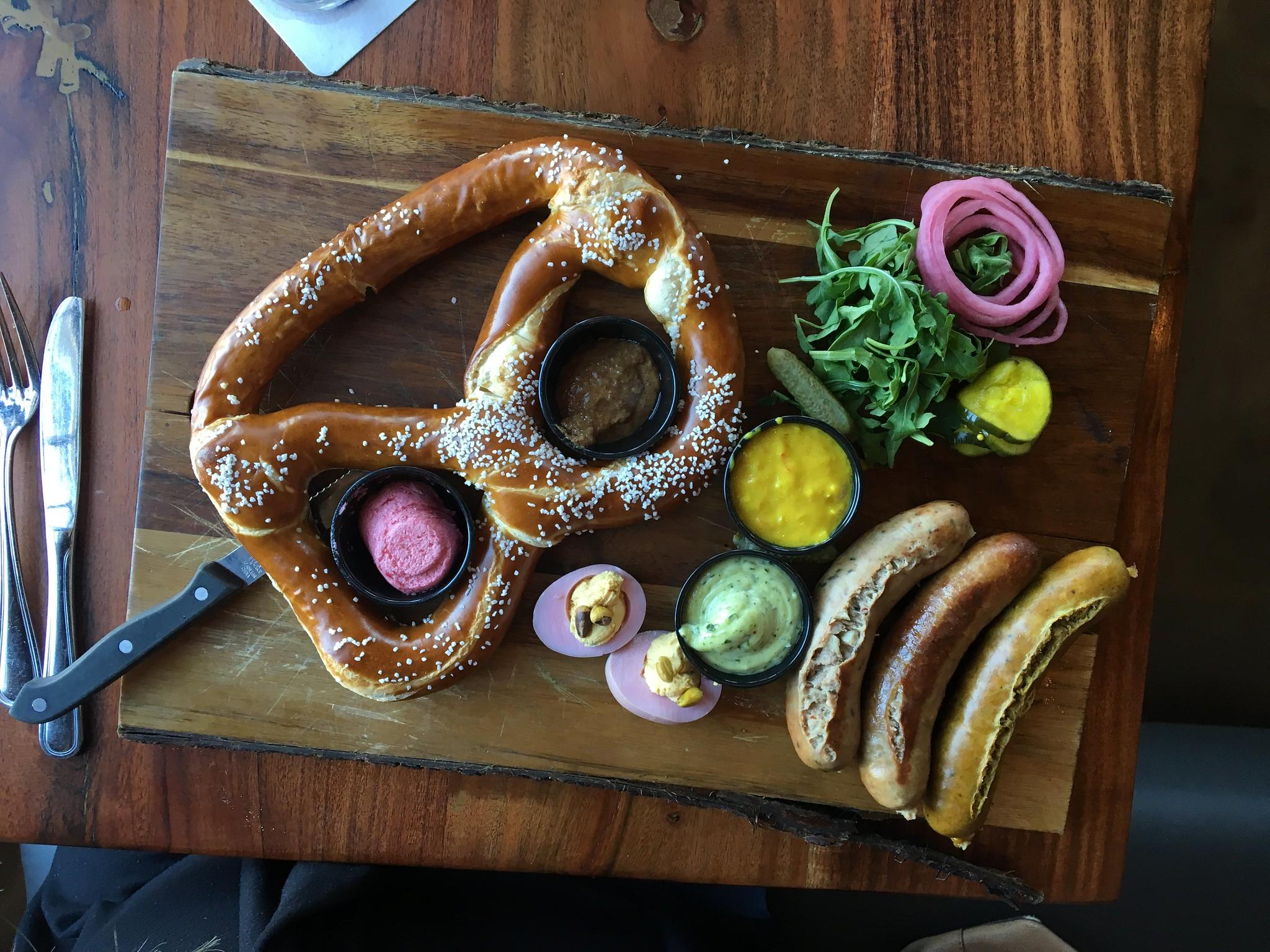 Candace Lately: Huntington Edition: Bahnhof WVrsthaus & Biergarten