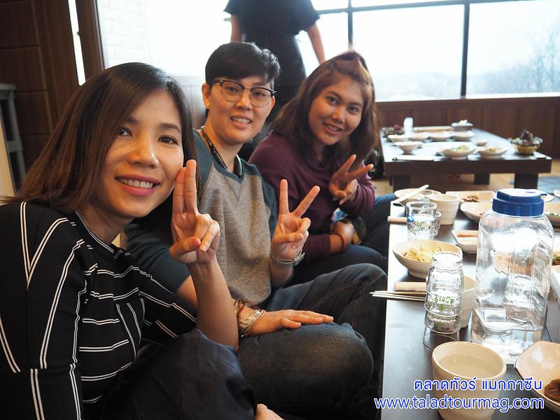 คนหน้าตาดี หมูย่างเกาหลี หมูกระทะเกาหลี ประเทศเกาหลีใต้