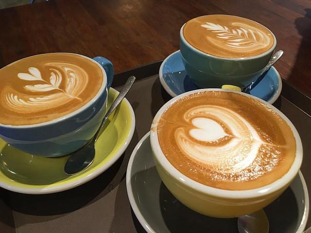 오랜만에 봉카페~ 204차 모임도 함께~  #먹스타그램 #커피 #스티치커피로스터스 #coffee #stitchcoffee #iphone