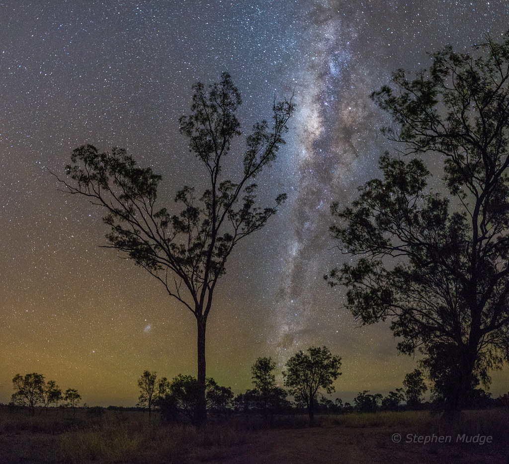 Mundubbera Milky Way and Airglow #1