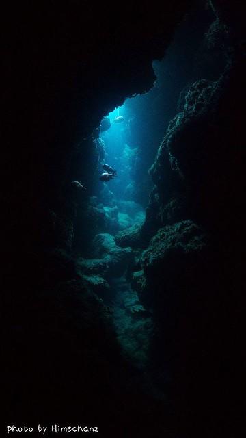 梅雨空でも洞窟はキレイ♪