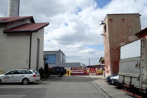 nitra zoneindustrielle hostel extérieur arrivée rue jeudemots