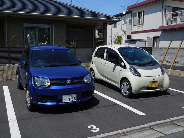 Suzuki Ignis & Mitsubishi i-MiEV, Omiya, Saitama, Japan.
