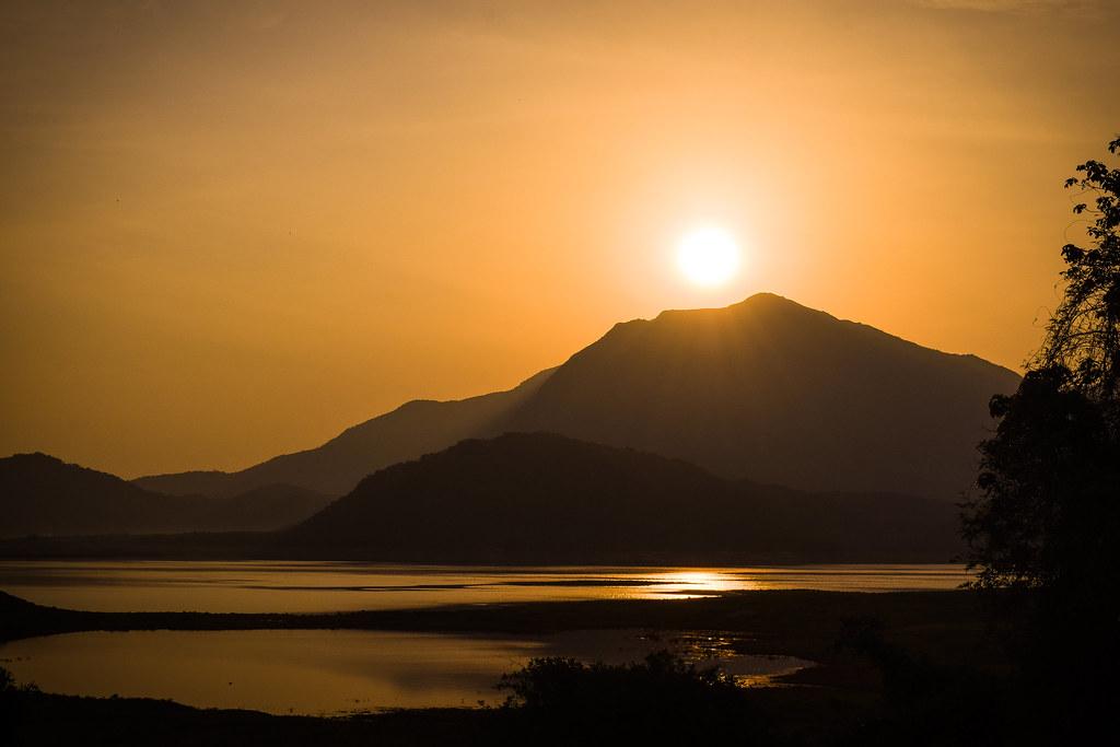 #silhouette #sunrise #pollachi #aliyar