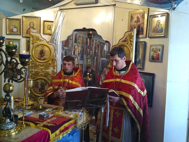 Недільна божественна літургія в Свято-Кирило-Мефодіївському патріаршому подвір'ї