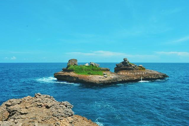 Pulau Lapak Pantai Tanjung Sirap