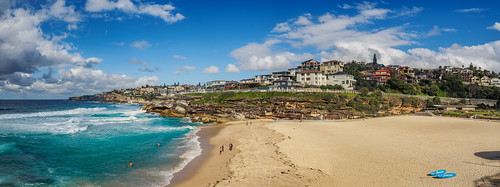 sydney nsw newsouthwales australia beach sand water ocean sea shore sandy waves pacificocean day sky pano panoramic panorama photo photography photograph photogenic olympusem10 olympus olympusomd microfourthirds travel beautiful spectacular shoreline scene best flickr trees tamarama view