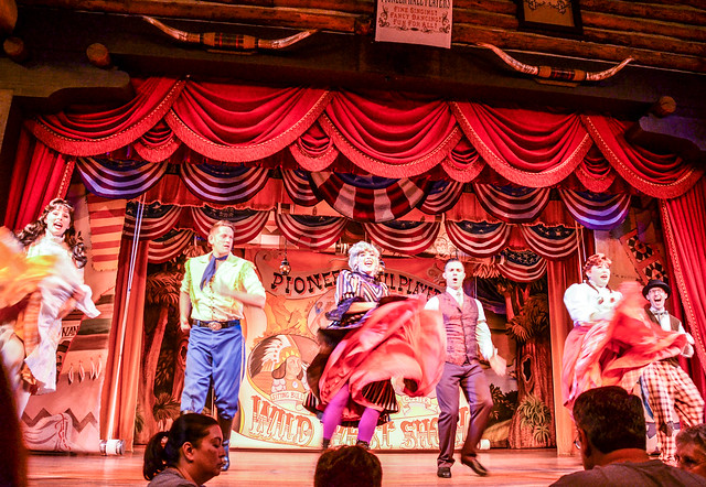 Hoop Dee Doo group dance