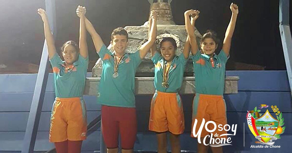 Nadadores chonenses obtuvieron 19 medallas en torneo nacional de natación