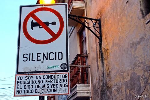 ayacucho departamentoayacucho perú ciudadescolonialesdeaméricalatina sudamérica carteles señales señalética