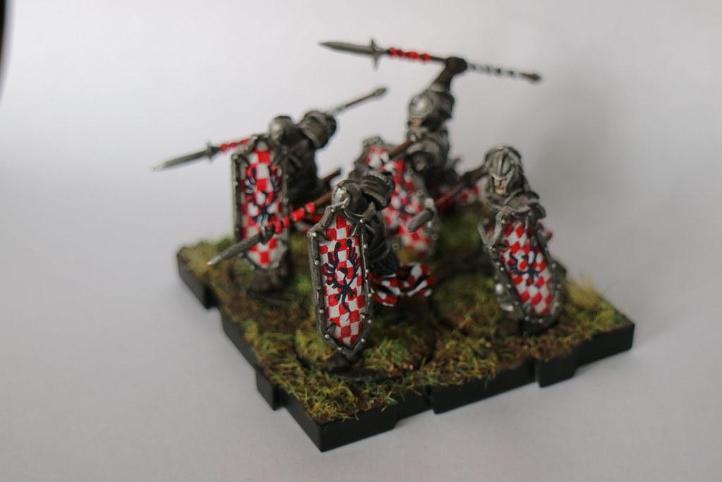 Runewars Miniatures Red Spearmen 2