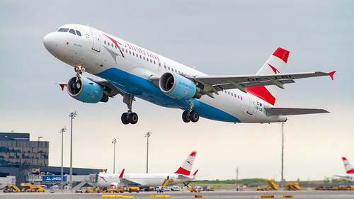 OE-LBI Austrian Airlines Airbus A320-214